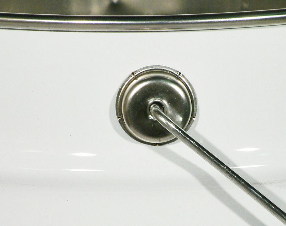Poignées à arc oscillant applicable sur les seaux coniques.